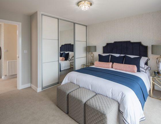 TV Morchard Bedroom